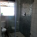 Frameless 90 deg shower
